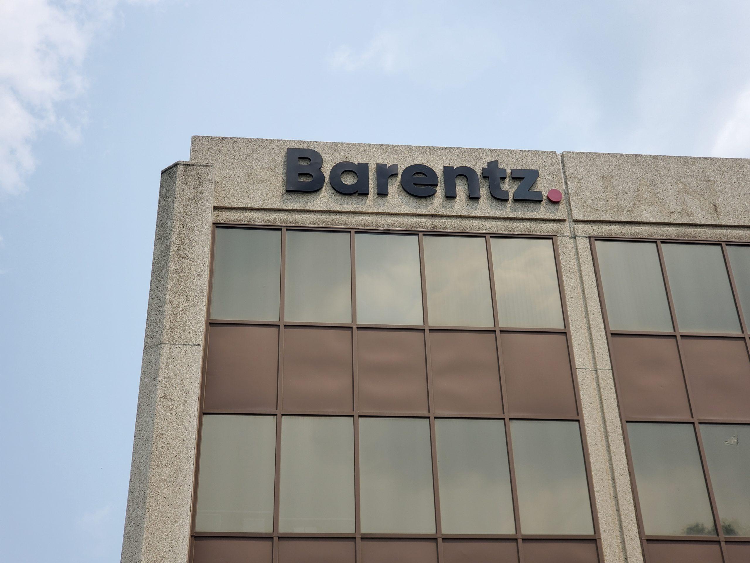 Barentz Halo Lit Letters Exterior (1)