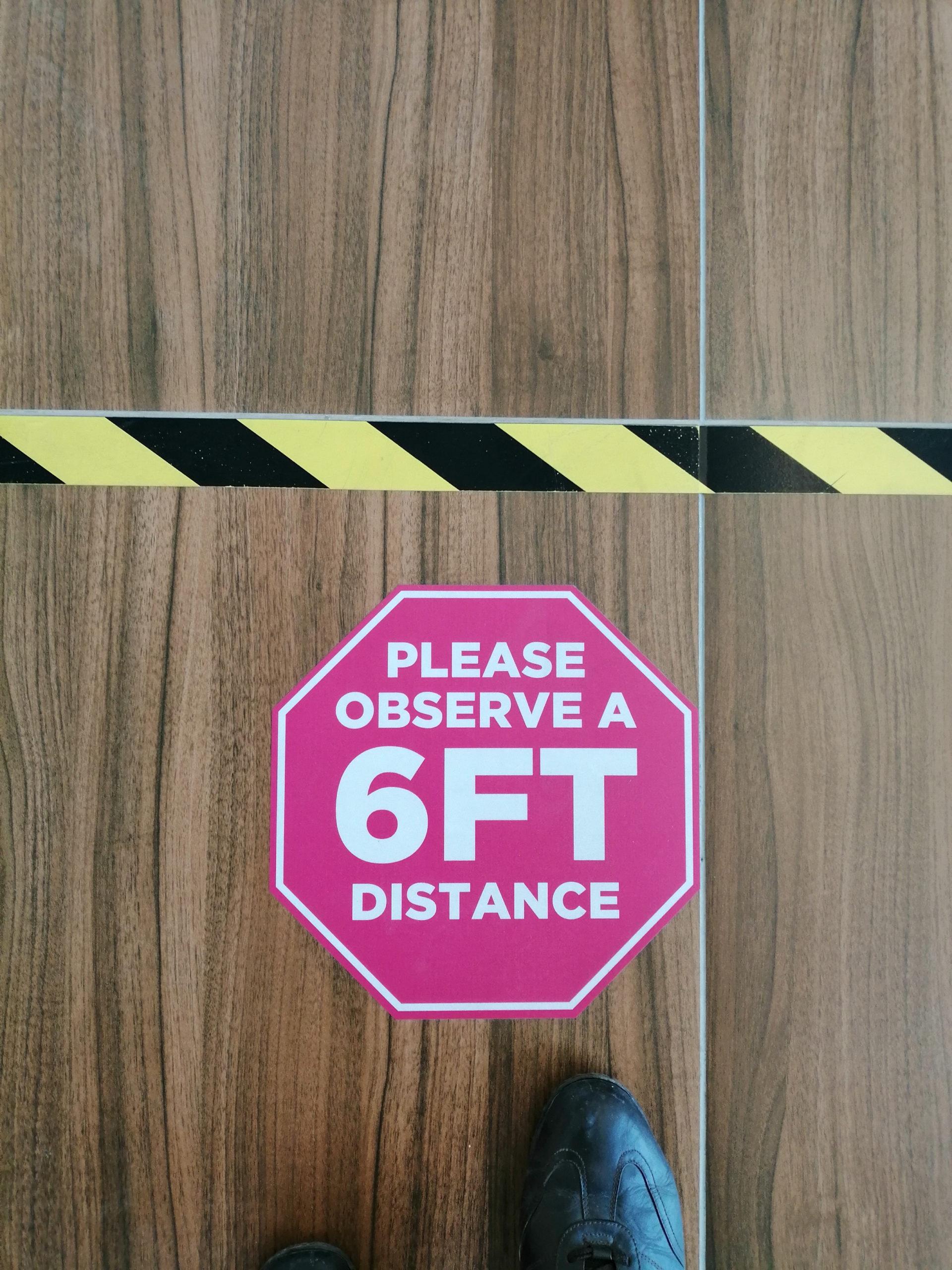 Floor,Decal/sticker,Promotes,Social,Distancing,Of,6,Feet,(2,Meters)